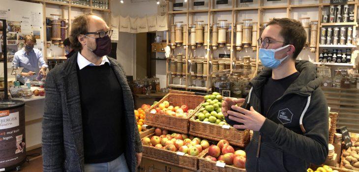 Lars Keitel mit Julius Schießer in der Honighalle, Köppern