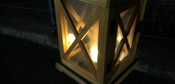 Eine schöne Laterne aus Holz